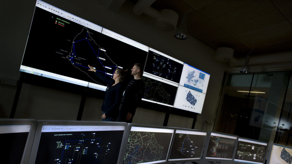 Researchers monitor the power system of Bornholm